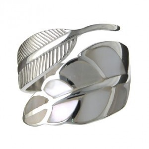 white-shell-feather-ring