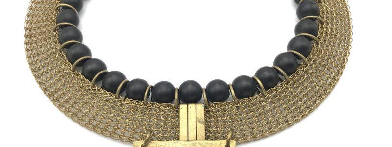 Cleopatra-collar