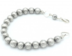Hammered-spheres-bracelet