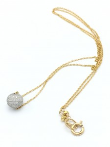Snowball-necklace