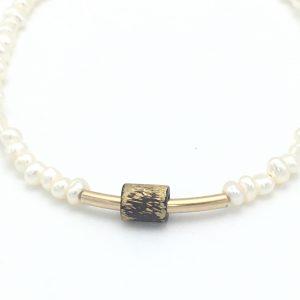 pearl-bronze-texture-closeup