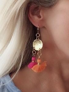 tasssel-lifestyle-orange:pink