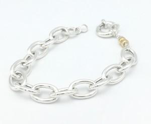 Link-bracelet-closeup-w