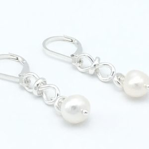 Infinity-Pearl-Earrings