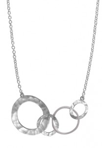 Matte-Textured-Rings-Necklace