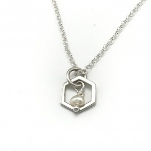 Pearl-hexagon-necklace-closeup