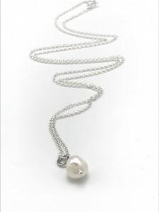 Pearl-sculpt-chain