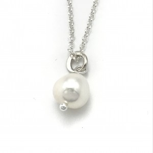 Pearl-sculpt-necklace