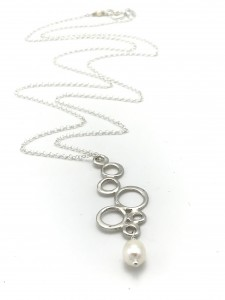 White-Pearl-bubbly-necklace