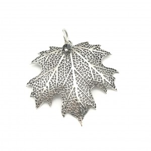 maple-leaf-pendant