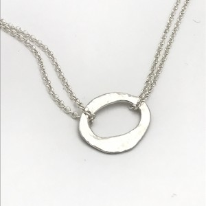 Hammered-oval-necklace
