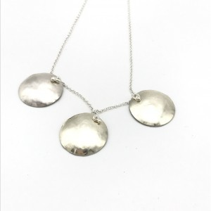 Three-curved-discs-necklace