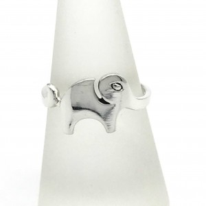 baby.elephant.ring.closeup