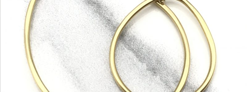 Gold-Open-Loops-Necklace-closeup