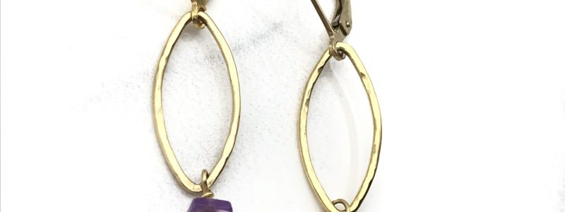 gold-pearl-amethyst-earrings-product-image