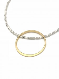 Float-necklace-gold-image