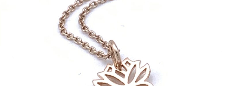 rose-gold-lotus-necklace